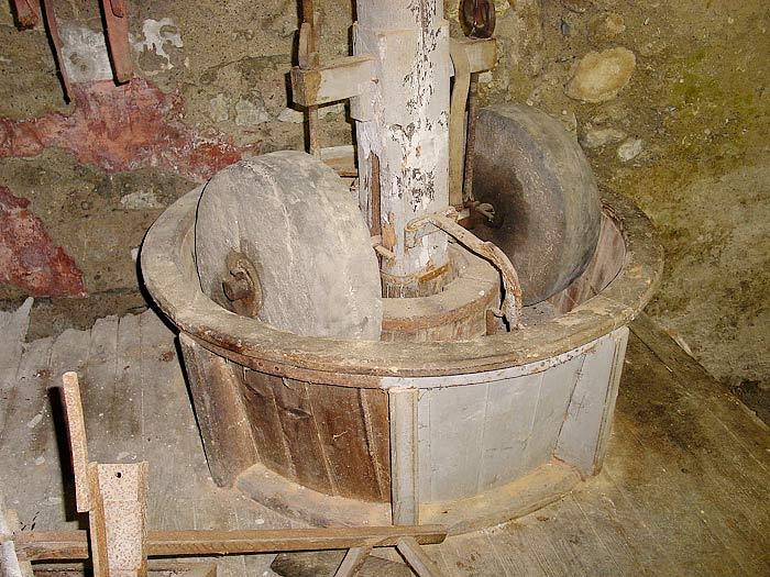 L'interno del mulino Del Favero: il pilaorzo.