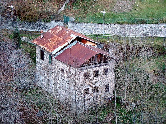 Il mulino detto dei Pinza visto da Revìs.