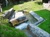 L\'acqua in uscita dal lavatoio veniva un tempo incanalata verso i mulini Zanella in Loda e dei Pinza.