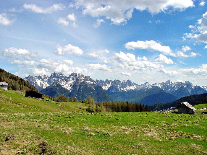 La corona di cime delle Dolomiti d'Oltrepiave dal Palù Gran di Pian dei Buoi