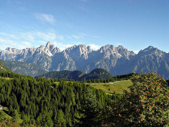 Le Dolomiti d'Auronzo dal Paterno alla Croda da Campo dai colli di Pian dei Buoi