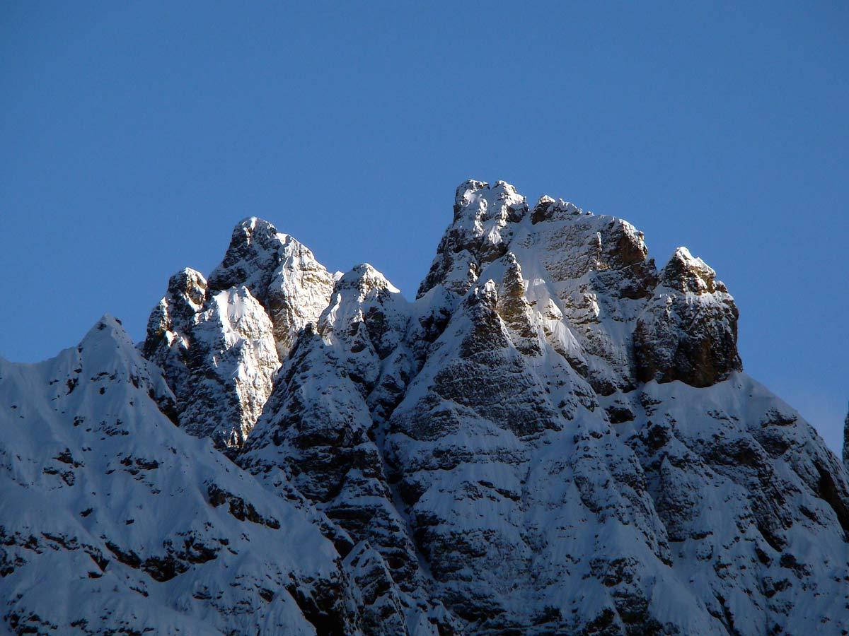 Cima Pitacco (cresta del Miaron) in primo piano; dietro a sin. P. Cozzi
