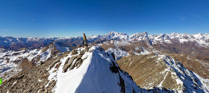 Superb views to Mont Blanc and Grand Combin from Val D'Aosta: Mont Fallere