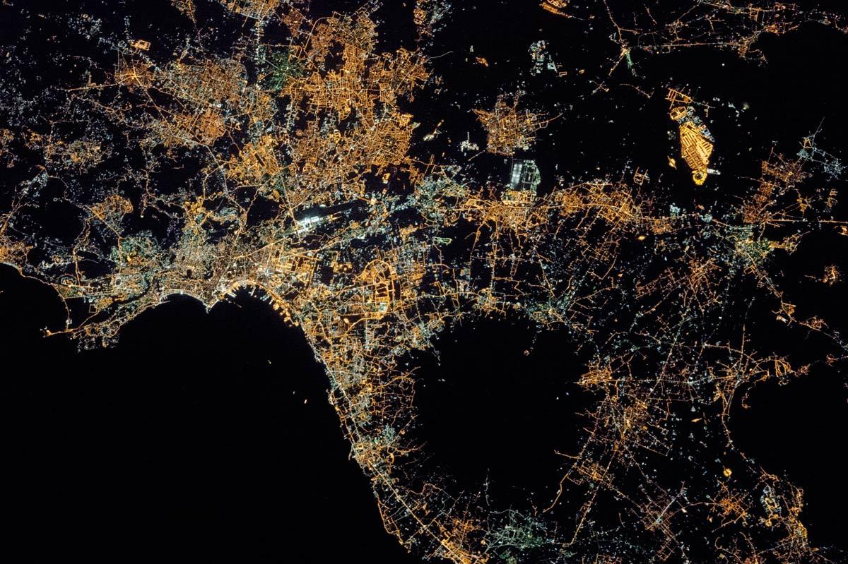 Napoli con il Vesuvio