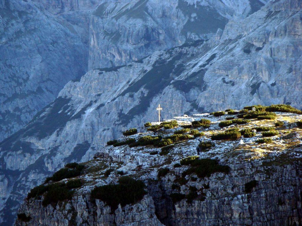 Croce di Dobbiaco sul M. Piano dalla sommità del M. Piana