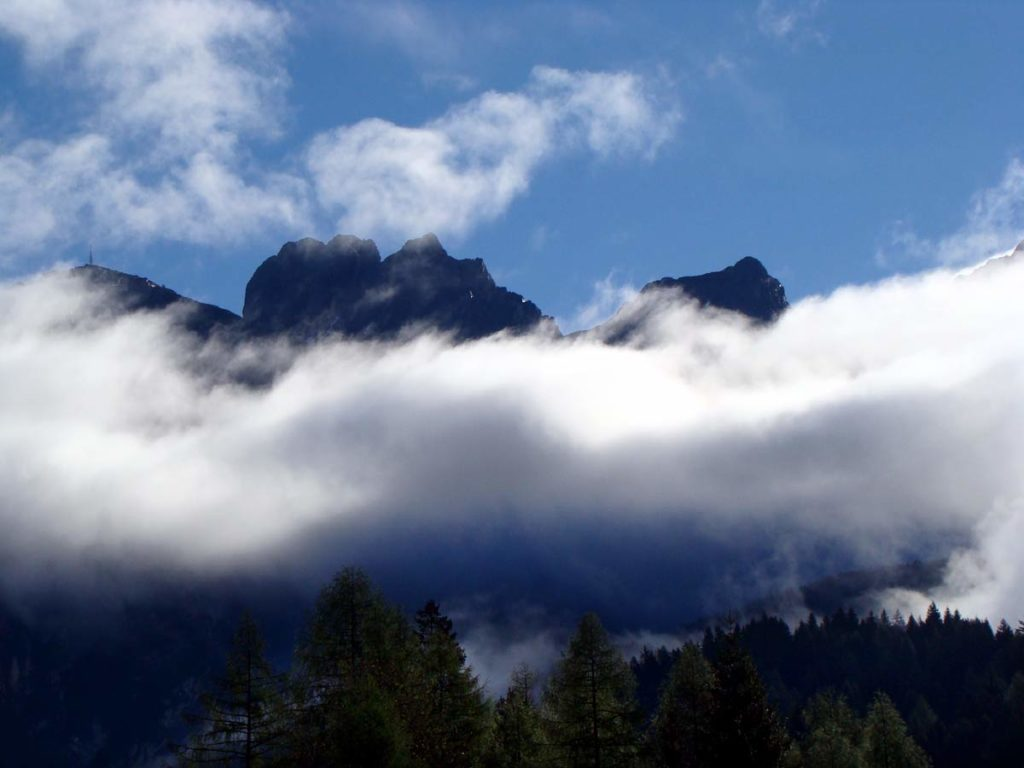 Tudaio e Cima Bragagnina tra le nuvole