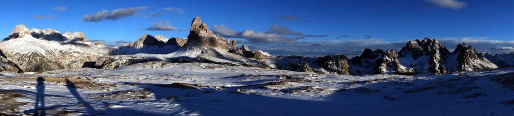 Panoramica da Punta Tre Scarperi ai Cadini di Misurina da Monte Piana