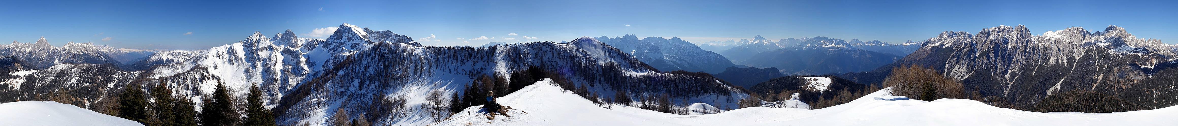 Panoramica 360° da Monte Verna: dalla Terza Media al gruppo dei Brentoni passando per Tiarfin, Cridola, Antelao, Tre Cime di Lavaredo