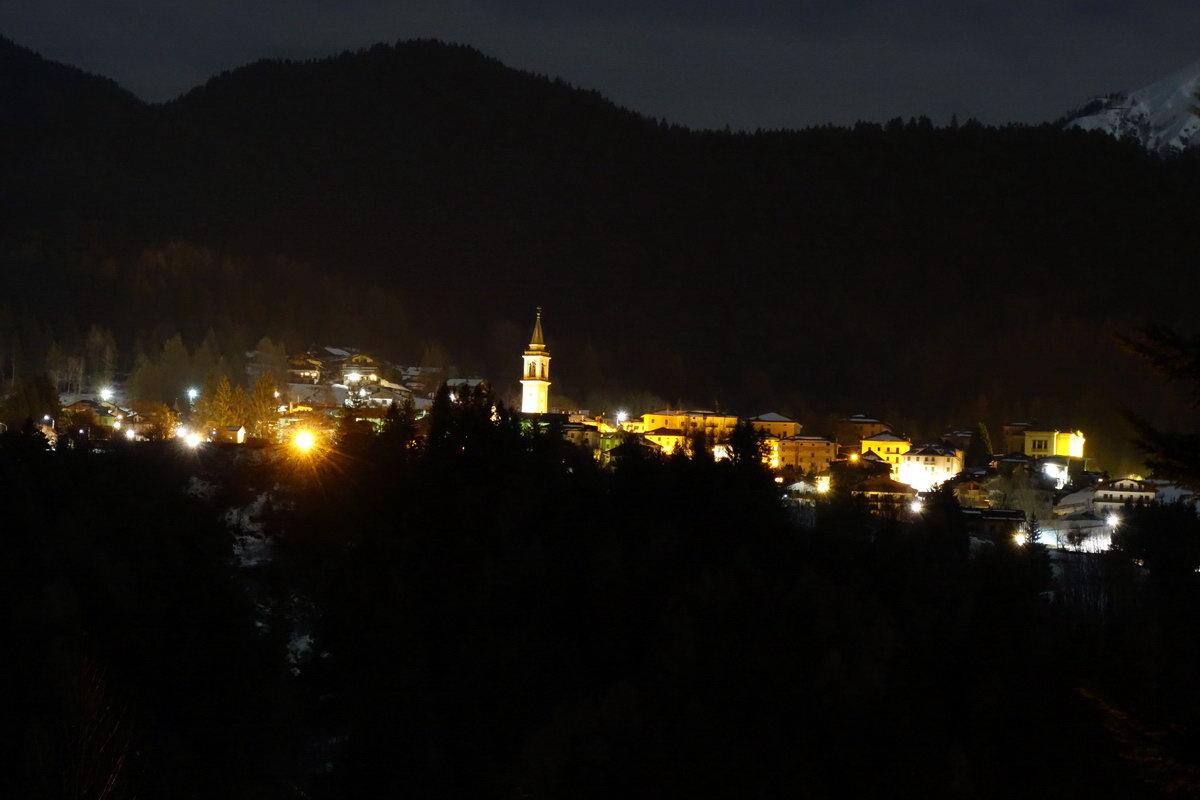 Lorenzago di Cadore da Lozzo una sera d