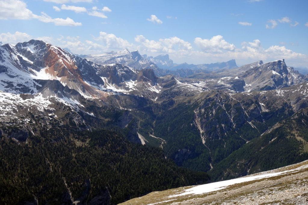Dalla Piccola Croda Rossa alla Croda del Béco, salendo verso il Picco di Vallandro
