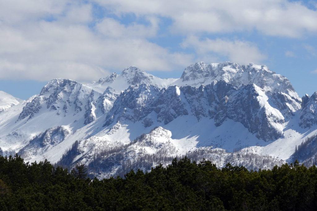 Il Tiarfin con la cresta dei Tudai di Razzo dal M. Losco